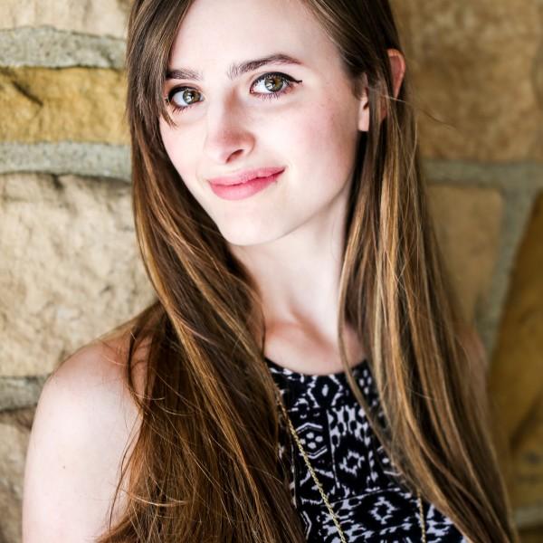 Jessica Spring Senior Portrait Session - Brecksville