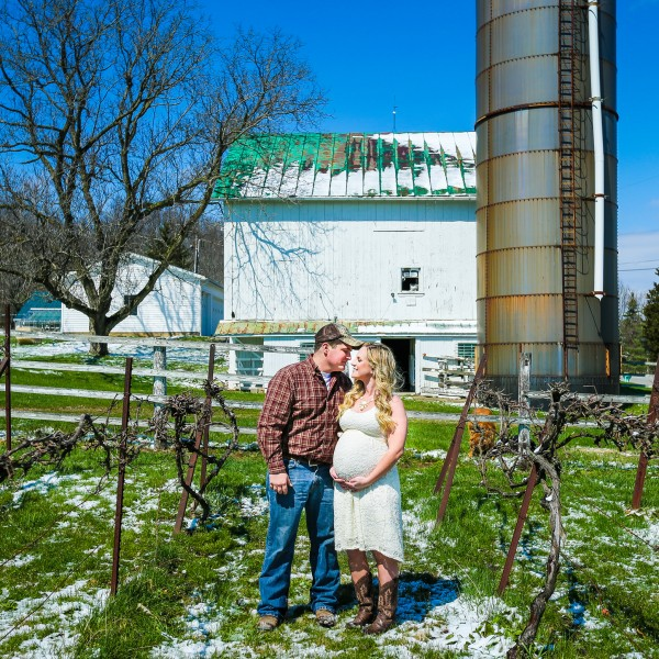 Brittany & Josh Spring Maternity Session- Hinckley Ohio